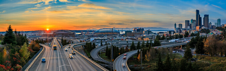 Seattle downtown skyline sunset from Dr. Jose Rizal or 12th Avenue South Bridge Fototapete