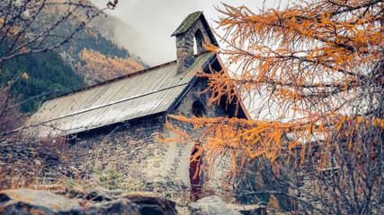 Petite chapelle du village d'Escreins