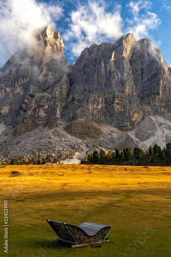 Fototapete Colorful scenic view of majestic Dolomites mountains in Italian Alps.