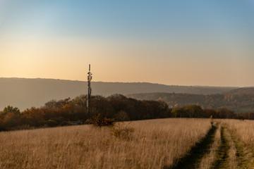 Antenne relais en pleine campagne