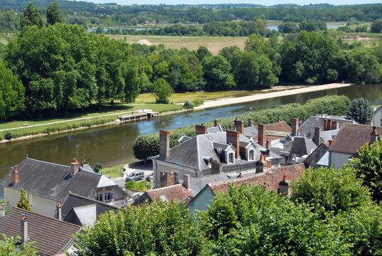 Ville de Saint-Aignan-sur-Cher, les toits de la ville, vue sur la vallée du Cher depuis le château, département du Loir et Cher, France