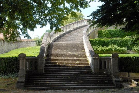 Escalier monumental menant au château de Saint-Aignan, ville de Saint-Aignan-sur-Cher, département du Loir et Cher, France