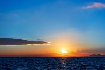 玄界灘から見る日の出