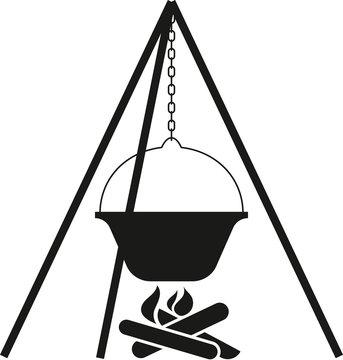 schwarzweiße Grafik Gulasch-Kessel über Feuer mit Dreibein