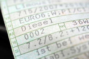 Diesel, Kraftfahrzeugschein, Euro6, Abgase, Abgasskandal, CO2, Feinstaub, Auto, Stickoxide, Abgasmanipulation, Motor, Luftverschmutzung, Dieselmotor, Betrugssoftware, Software, Dieselskandal,