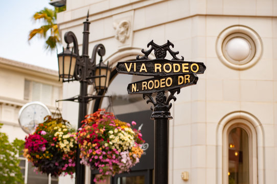 Road sign, Rodeo Drive, Beverly Hills, Los Angeles, California, United States of America, North America. Get directions to Rodeo Drive, Beverly Hills, Los Angeles, California, USA