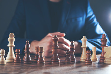 man hand chess