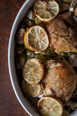 Chicken thighs and lemon slices