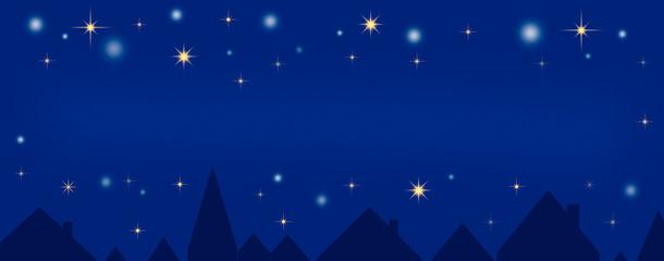 Blauer Nachthimmel über der Stadt (copy space)