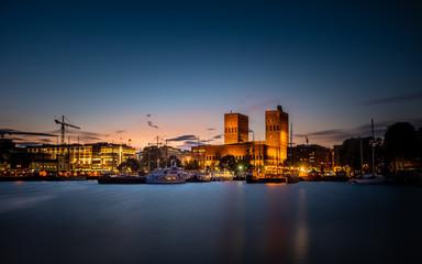 Oslo Rådhus, twilight.