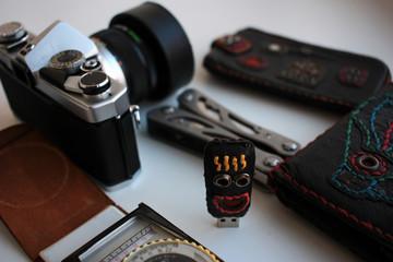 Film camera and flash drive