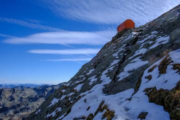 Bivacco Varese 2650 mslm, cresta Est del Pizzo di Loranco, Ossola