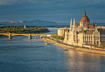 Wall Murals Budapest The Hungarian Parliament with Margaret Island