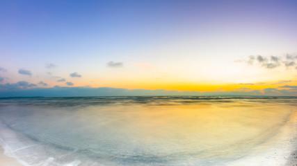 Obraz Sunrise at the ocean as a background - fototapety do salonu