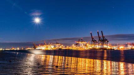 Hamburg, die Elbe am Abend, Sonnenuntergang