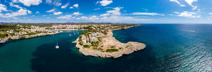 Coast of Porto Cristo with villas and natural harbor, Cala Manacor, Porto Cristo, Mallorca, Balearic Islands, Spain