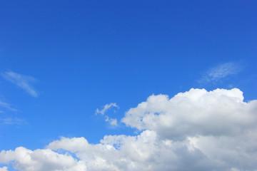 Blue sky with cloudscape