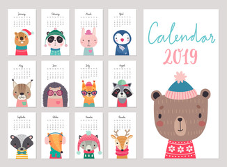 Fototapete - Calendar 2019. Cute monthly calendar with forest animals. Hand drawn woodland characters.