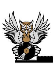 mischpult tresen vinyl dj platte auflegen musik party feiern spaß disko club farbig kontur eule tattoo uhu fliegen vogel cool design federn raubvogel nacht schön clipart logo