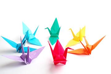 カラフルな折り鶴