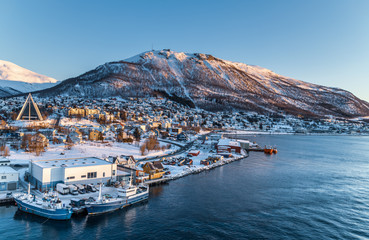 Foto op Aluminium Noord Europa Aerial view to the city of Tromso and it's marina in winter, North Norway.