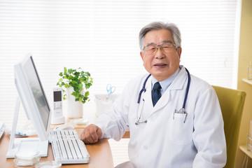 ベテランの医師