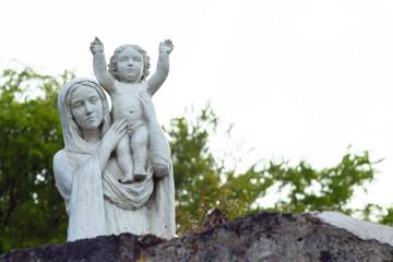 Statue marie et bébé
