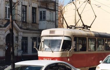 tram in Podil