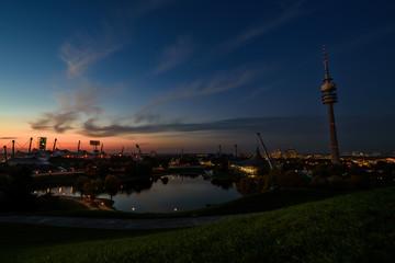 München Olympiapark bei Nacht