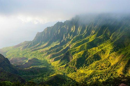 Napali coast with green mountains seen from the Kalalau lookout, Na Pali Coast State Park, Kauai, Hawaii, USA, North America