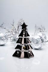 Fototapeta Świąteczna dekoracja. Świąteczna kompozycja w odcieniach srebra.