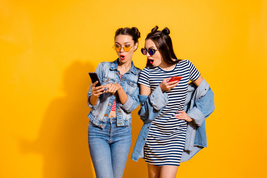 Two leisure lifestyle brunette hair lady in street style stylish