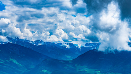 Blick vom Ritten zu den Dolomiten Südtirol Italien