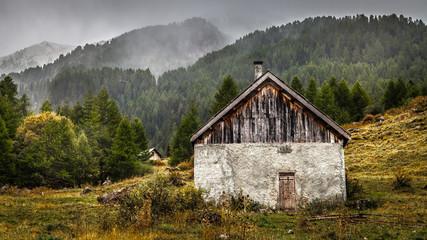 Cabane un jour pluvieux