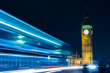 London Big Ben At Night Light Trails Fotobehang
