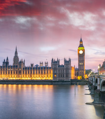 Photo sur Plexiglas Londres Westminster Bridge at night, London