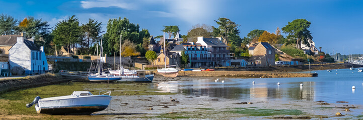 Brittany, Ile aux Moines island, beautiful harbor, low tide
