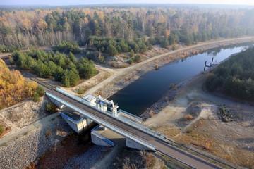 Schleuse und Kanal im Lausitzer Seenland