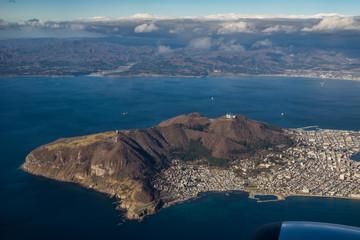 機上から見る函館山と函館湾