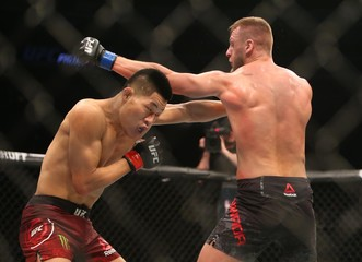 MMA: UFC Fight Night-Jingliang vs Zawada