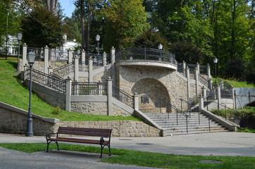 Obraz Szczawnica Zdrój, schody w parku Zdrojowym - fototapety do salonu