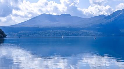 日本、北海道、支笏湖、雄大な自然と絶景、秋
