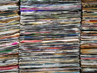 Riesige Sammlung alter Vinyl Schallplatten und Singles auf dem Trödelmarkt bei den Golden Oldies in Wettenberg Krofdorf-Gleiberg bei Gießen in Mittelhessen