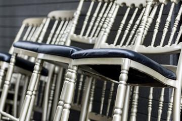 重ね置きしてある椅子