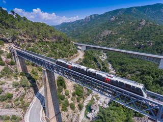 Eisenbahn auf Korsika auf dem Eiffel-Viadukt