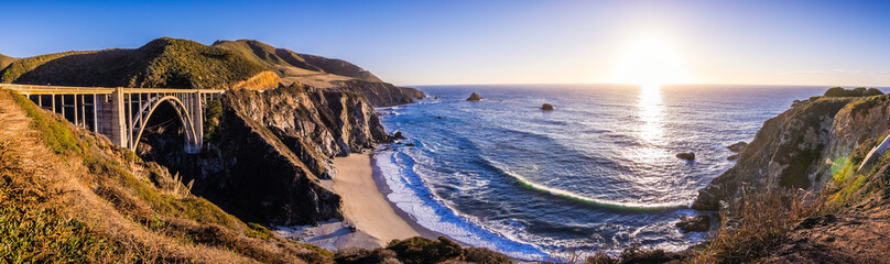 Printed kitchen splashbacks Coast Panoramic view of Bixby Creek Bridge and the dramatic Pacific Ocean coastline, Big Sur, California