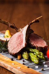 Baked lamb loin, served with asparagus.
