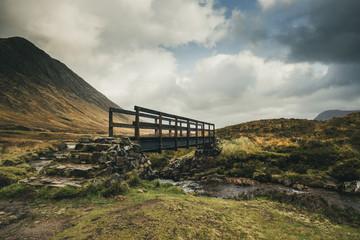 Paysage d'écosse dans les highlands avec un pont Rannoch Moor