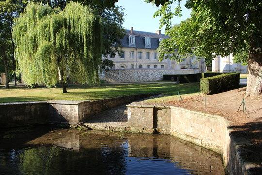 Parc de l'abbaye du Bec-Hellouin en Normandie (vivier)