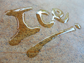Ice spontaneous water handwriting calligraphy